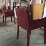椅子が好きです。椅子があればとりあえず座ってみたくなる。