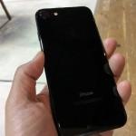 予約していたiPhone7ジェットブラック。ようやく手元に届きました。